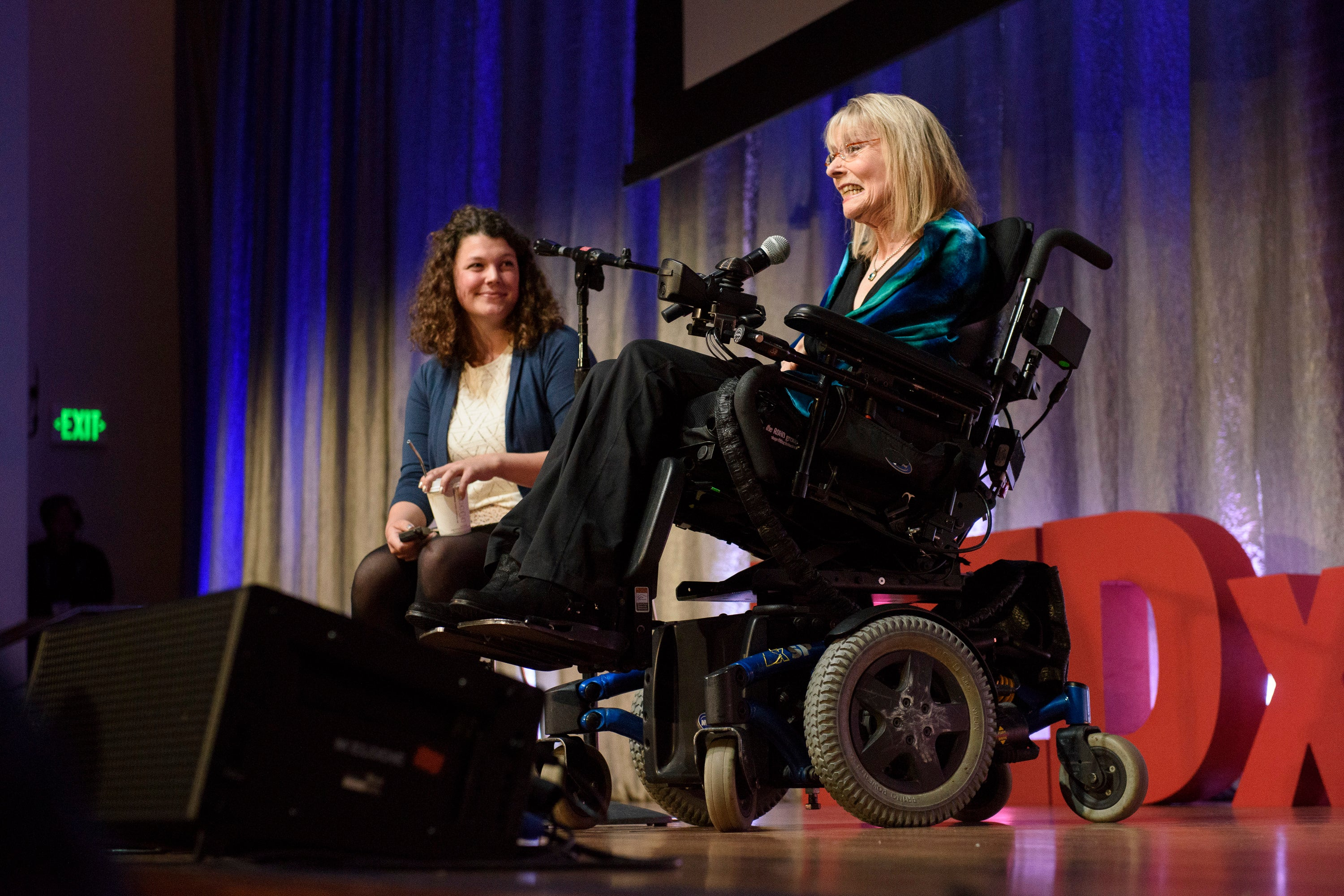 "Elizabeth Jameson delivers the talk ""My Brain as Art."" © Linda A. Cicero / Stanford News Service"
